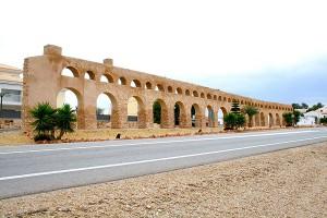 Acueducto El Real / The Aqueduct El Real